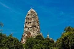 Historiska Autthaya parkerar wat för den forntida templet i Thailand Royaltyfri Foto