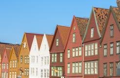 Historiska byggnader av Bryggen i staden av Bergen, Norge arkivfoto