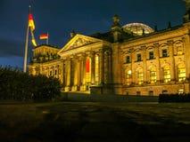 Historiska byggnader i Berlin: Reichstagen - den tyska parlamentet arkivfoto