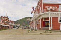 Historiska byggnader i Dawson City, Yukon Arkivbilder