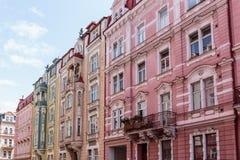 Historiska byggnader i Karlovy varierar, Carlsbad Arkivbild