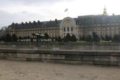 Historiska byggnader i Paris, Frankrike Musée de lÂ'armée arkivbild