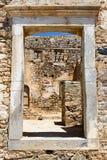 Historiska byggnader på den Spinalonga ön Royaltyfri Foto