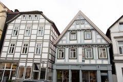 Historiska fasader i centret av Detmold Arkivfoto