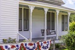 Historiska Front Porch Royaltyfri Bild