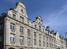 Historiska hus på Grand Place i arrasen, Frankrike Arkivfoton
