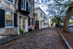 Historiska i stadens centrum Charleston South Carolina på en varm dag Arkivbild