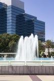 Historiska Jacksonville, Florida kamratskapspringbrunn och Riverwalk Arkivbilder