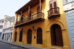 Historiska koloniala byggande Cartagena Arkivbilder