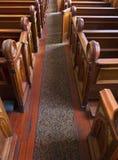 Historiska kyrkliga inre Pews Arkivbild