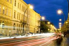 Historiska ljusa strimmor för redaktörs- för nattplatsboulevard spårvagn för bil Royaltyfria Foton