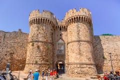 Historiska Marine Gate i Rhodes Arkivfoto