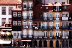 Historiska Oporto gamla hus Arkivfoto