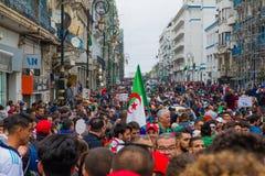 Historiska protester i Algeriet för changement arkivfoto