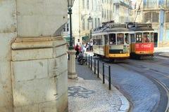 Historiska spårvagnar i Lissabon Royaltyfria Foton