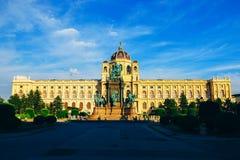 Historiska ställen av den europeiska staden för turister Royaltyfria Bilder