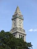 historiska stentrees för kyrklig clocktower arkivbild