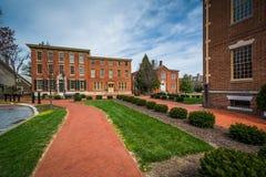 Historiska tegelstenbyggnader i i stadens centrum Dover, Delaware arkivfoton