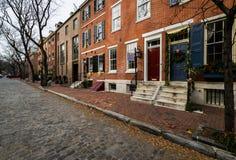 Historiska tegelstenbyggnader i samhällekulle i Philadelphia, Pennsy Royaltyfria Foton