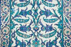 Historiska traditionella handgjorda tegelplattor - islamiska prydnader Arkivfoto