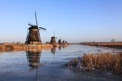 Historiska väderkvarnar 4 Kinderdijk, Holland Arkivfoto