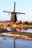 Historiska väderkvarnar 5 Kinderdijk, Holland Fotografering för Bildbyråer