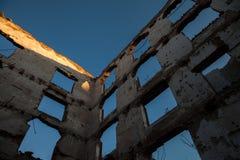 Historiska väggar för röd tegelsten Fotografering för Bildbyråer