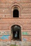 Historiska väggar för röd tegelsten Arkivfoton