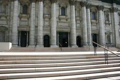 historiskt byggnadstillträde arkivbild