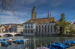 Historiskt centrum av Zurich fotografering för bildbyråer