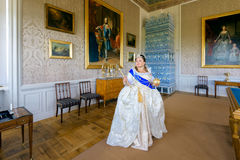 Historiskt cosplay kvinna i similituden av Catherine The Great, kejsarinna av Ryssland royaltyfri bild