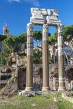 Historiskt frilufts- museum Roman Forum i Rome royaltyfri bild