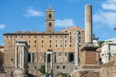 Historiskt frilufts- museum Roman Forum i Rome arkivfoton