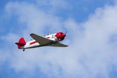 Historiskt göra för flygplan manövrerar i himlen fotografering för bildbyråer