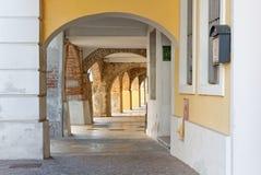 Historiskt galleri i Aquileia arkivfoto