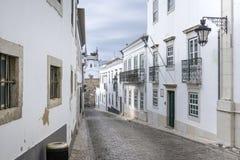 Historiskt gammalt område i Faro, Portugal royaltyfria bilder