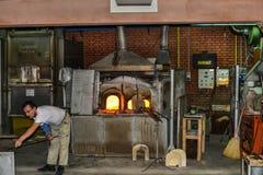 Historiskt glasbruk i den Murano ön, Italien Arkivfoto
