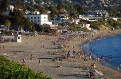 Historiskt hotell Laguna och huvudsaklig strand av Laguna Beach, Kalifornien Royaltyfri Fotografi