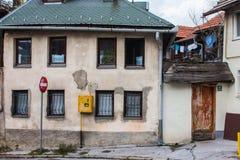 Historiskt hus i mitten av Sarajevo st?mma ?verens omr?desomr?den som Bosnien gemet f?rgade greyed herzegovina inkluderar viktigt royaltyfria bilder