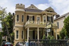 Historiskt hus i New Orleans royaltyfri fotografi