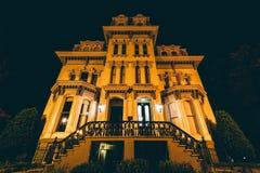Historiskt hus på natten, på Logan Circle, i Washington, DC royaltyfri foto