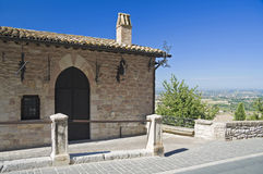 historiskt hus umbria för assisi Arkivfoton