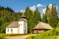 Historiskt kapell nära den Vychylovka byn i den Kysuce regionen arkivfoto