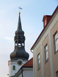 Historiskt klockatorn i den gamla staden av Tallinn, Estland Fotografering för Bildbyråer