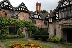 Historiskt landshus Royaltyfria Bilder
