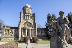 Historiskt Masaryk utkiktorn av självständighet i Horice i Tjeckien, solig dag royaltyfri fotografi
