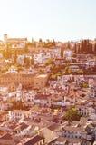 Historiskt område Albaicin i spanska Granada som fångas på en vertikal bild från över Den berömda delen av staden är bekant för royaltyfria bilder