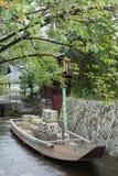 Historiskt plant bottnat flodfartyg Fotografering för Bildbyråer