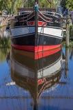 Historiskt skepp i en kanal i Papenburg Royaltyfri Foto