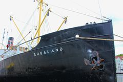 Historiskt skepp i hamnen av Stavanger, Norge Royaltyfri Bild